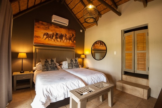 Luxury family safari and accommodation in Greater Kruger Park at Indlovu River Lodge